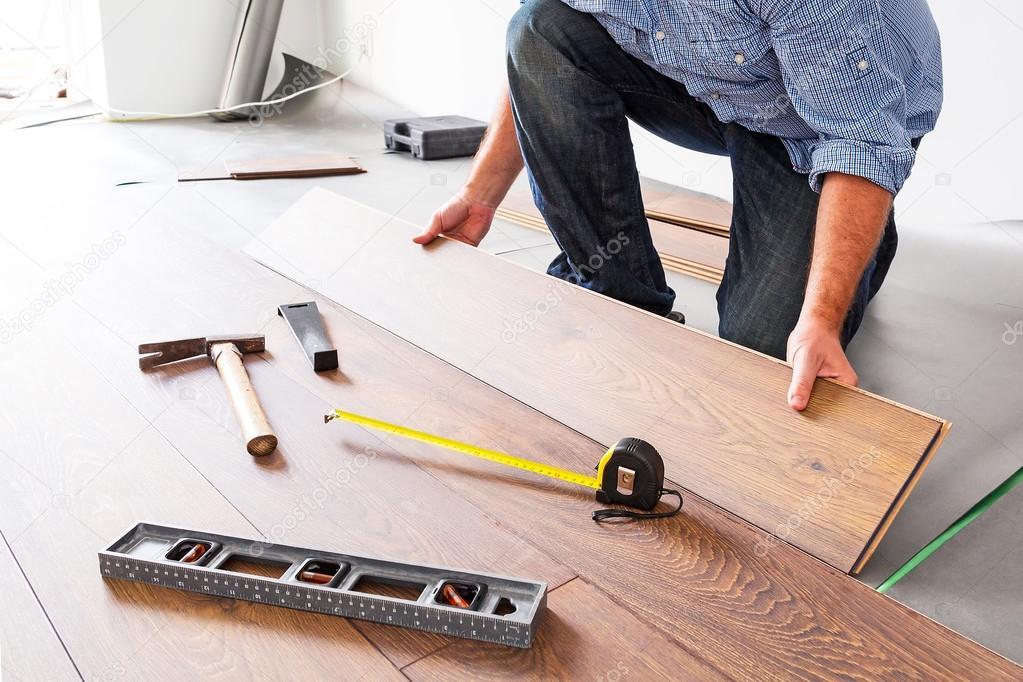 Nieuwe Houten Vloer : Nieuwe houten vloer instalation u2014 stockfoto © patryk kosmider #50165073