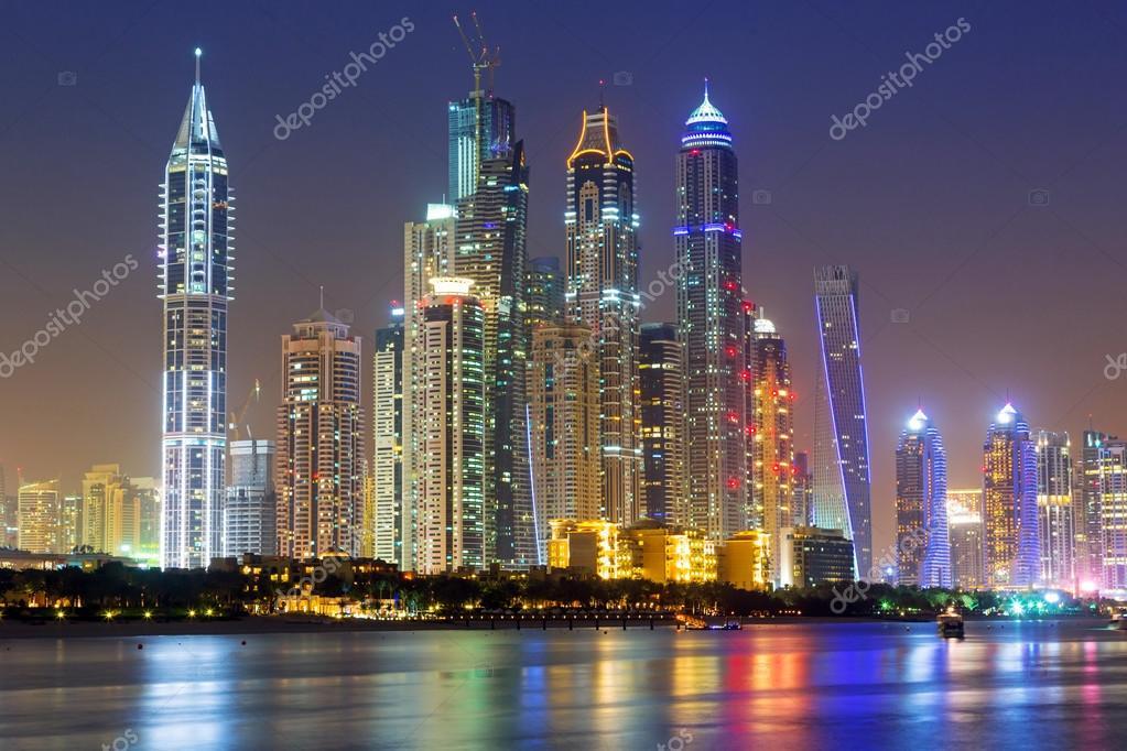 Paisaje De Dubai En La Noche