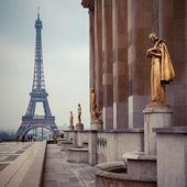 pohled z Trocadera na Eiffelovu věž, Paříž