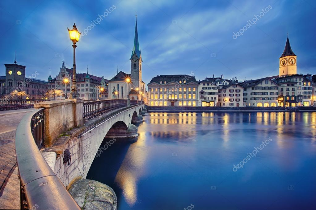 paisagem urbana de noite zurich suica fotos de bancos de imagens