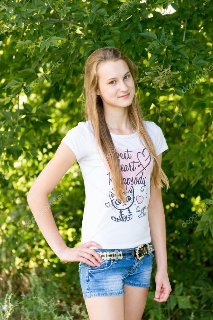 Девушка 14 лет показала