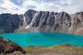 horolezecký tábor na ala-kul jezero v Kyrgyzstánu