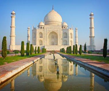 Taj mahal , A famous historical monument , India