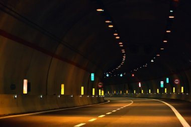 The tunnel at night