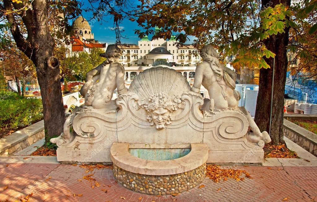 bagni termali Gellert a budapest — Foto Stock © Botond #43322357