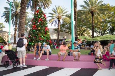 Tourists at Lincoln Road in Miami Beach