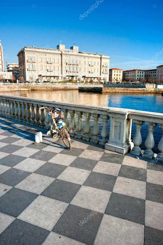 Livorno, Terrazza Mascagni. Toskana, Italien — Stockfoto © masterlu ...