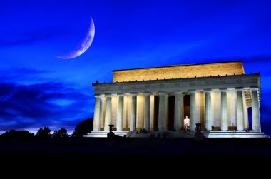 Lincoln Memorial at Night with Moon