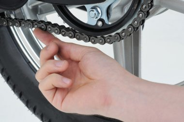 Chain tension