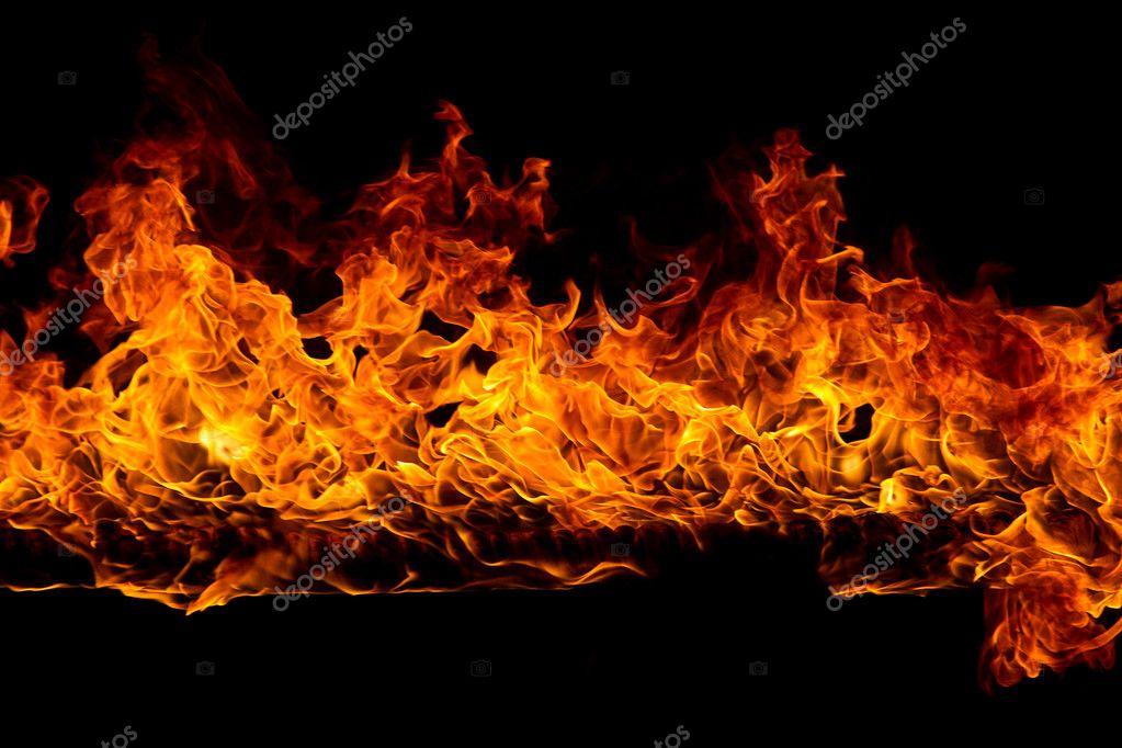 фото огня на чёрном фоне