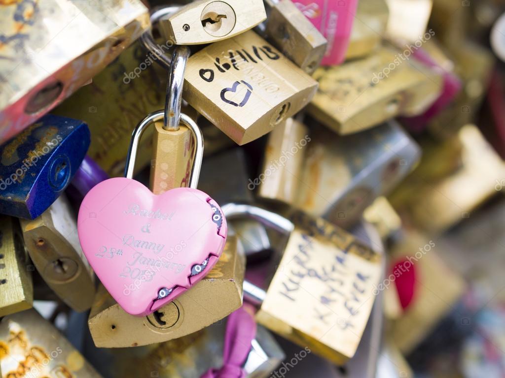 von Freundschaft zu Romantik
