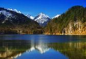 Fotografie See mit bayerischen Alpen in Deutschland