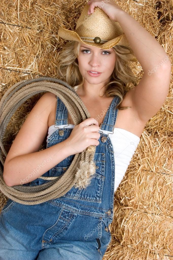 Country Girl  Stock Photo  Keeweeboy 12727266-6779