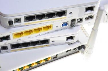 Desktop wireless DSL router