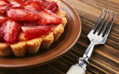 Fresh and tasty strawberry cake
