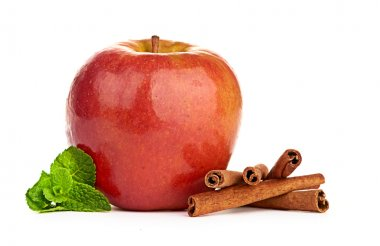 Apple, cinnamon and mint