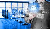 koncept e-mailu