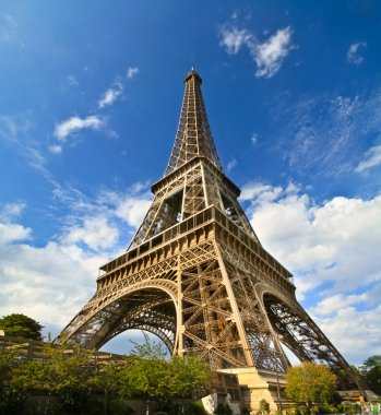 Paris Eiffel Tower in France during sunny day