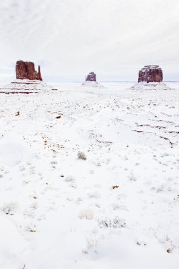 Winter The Mittens and Merrick Butte, Monument Valley National P