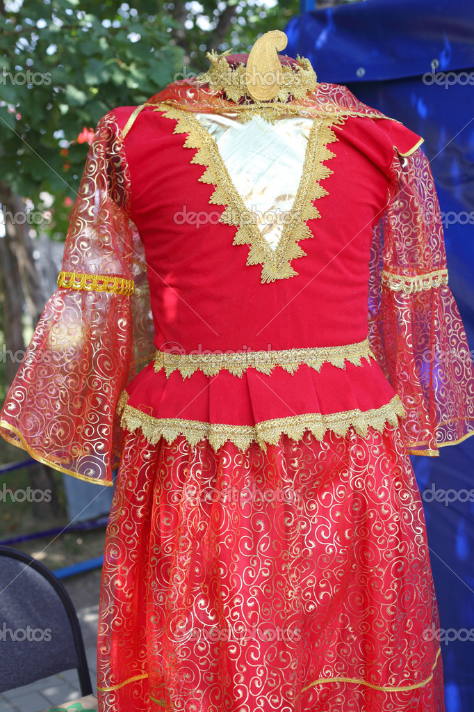 Armenian national costume