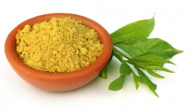Henna leaves with sandalwood powder