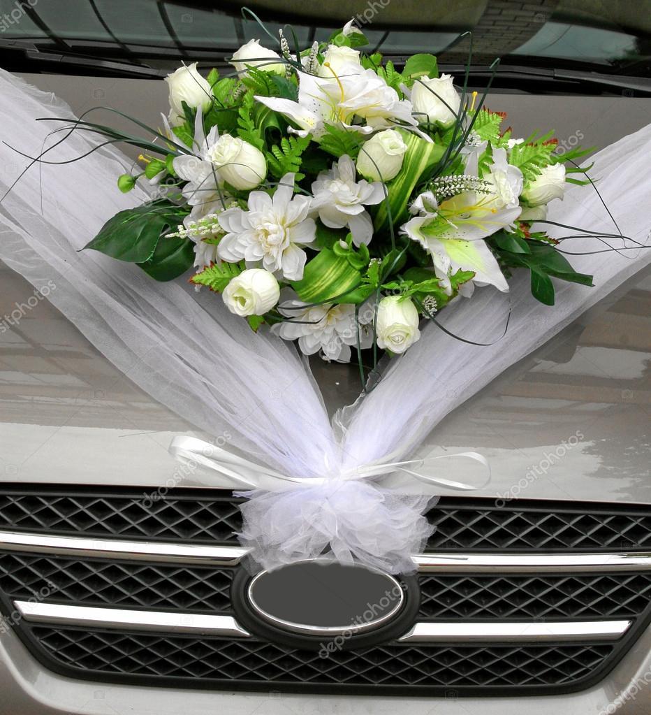 Hochzeitsblumen Auf Auto Stockfoto C Greenjo 30329627