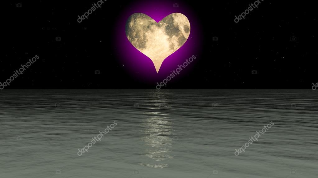 Cuore Di Luna Sul Mare Foto Stock Harveysart 12198070