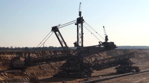 Hnědé uhlí povrchové těžby 3