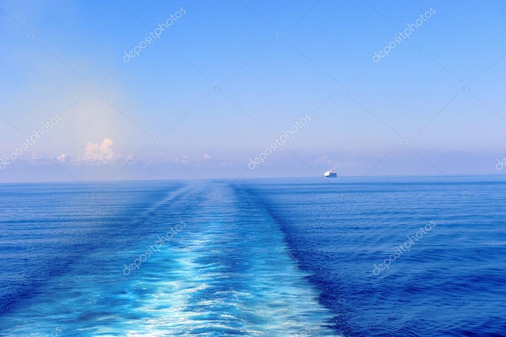 Wake behind a cruise ship