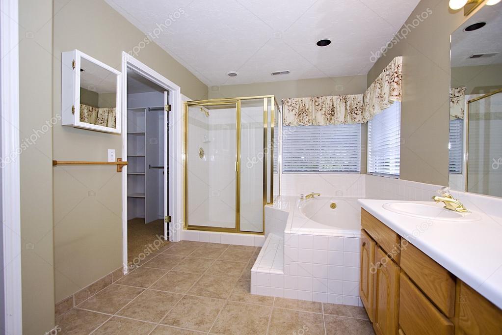 фото картины в ванной комнате крупным планом картина интерьер