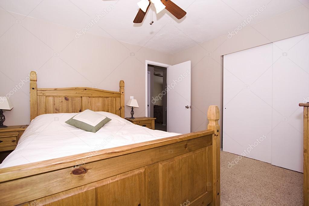 camera da letto stile classico — Foto Stock © mdilsiz #37130133