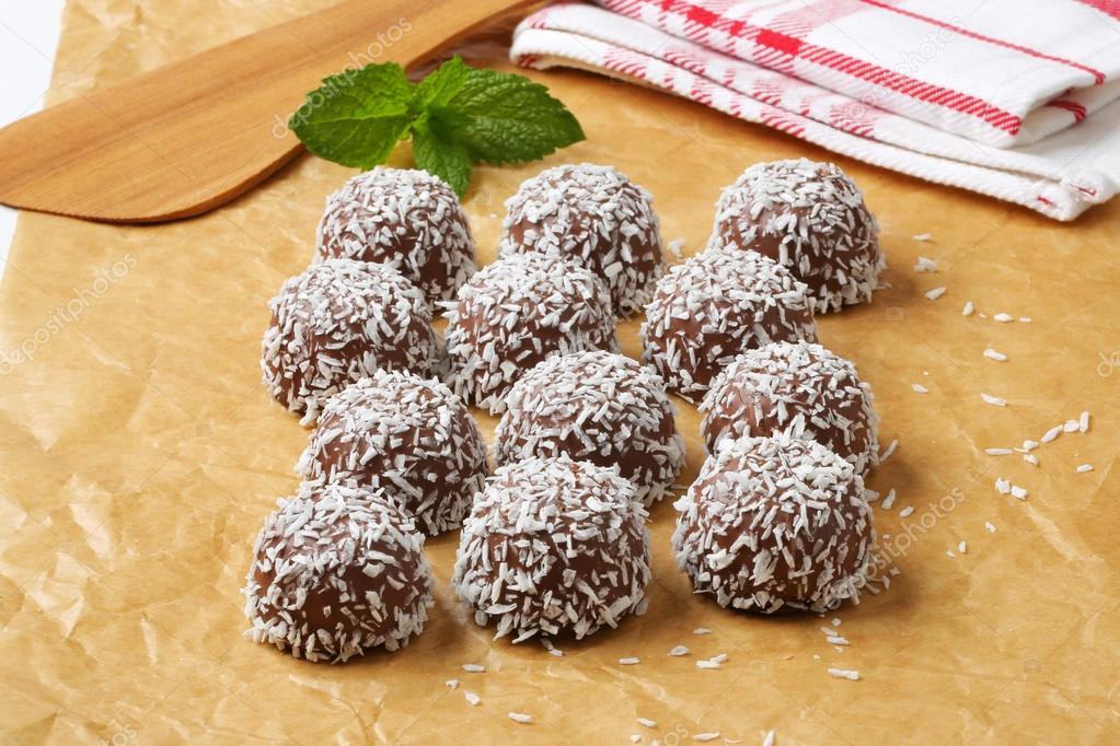 Schokolade Kokos Schneeball cookies — Stockfoto © ajafoto #39044709