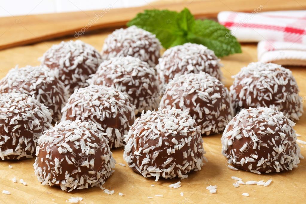 Schokolade Kokos Schneeball cookies — Stockfoto © ajafoto #39044733