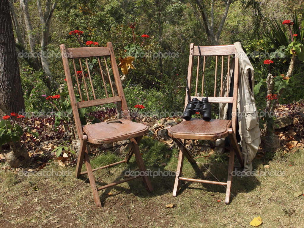 Sedie Di Legno Rustiche.Due Sedie In Legno Rustiche Foto Stock C Emjaysmith 43321817