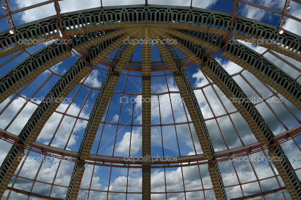 Architettura futurista cupola fatta di vetro u2014 foto stock