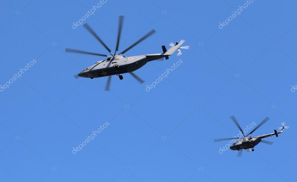 Почему летает вертолет над москвой сейчас
