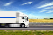 szállítási teherautó
