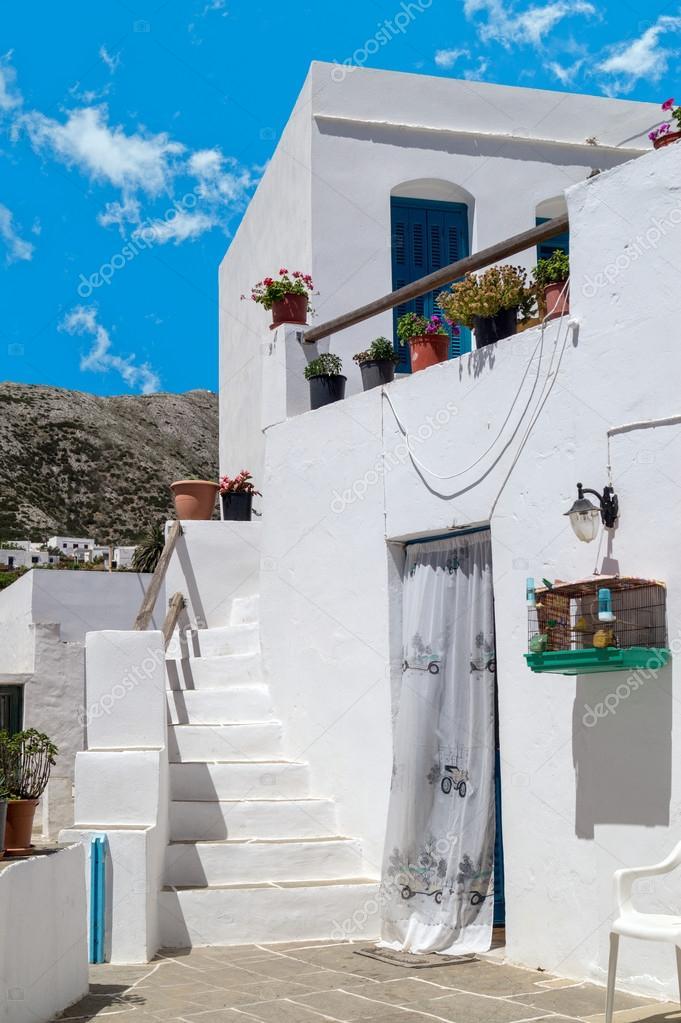 Traditional Greek House traditional greek house on sifnos island, greece — stock photo