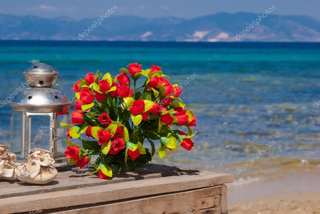 Фото розы на пляже