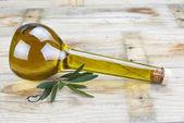 prémiové olivový olej v luxusní láhev