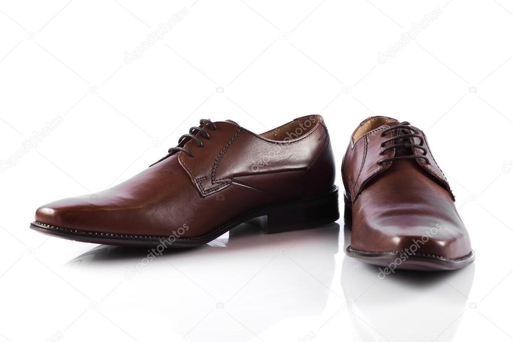 a1c8d2f8a1 Zapatos masculinos. zapatos de hombre aislados sobre fondo blanco — Fotos  de Stock