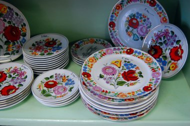 Plates with traditional Hungarian ornaments