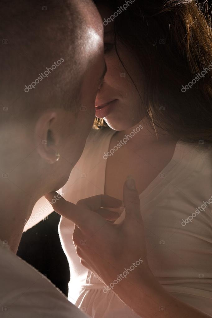 Фото любовных ласк, в жопу красивую девушку