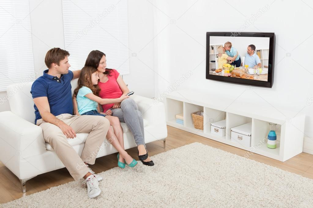 the benefits and drawbacks to watching tv essay How Watching TV Affects Your Child : Benefits And Drawbacks