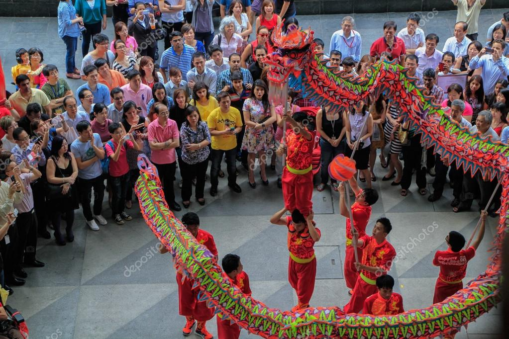 singapore change alley at raffles place 02 07 2014 chinese new year dragon dance to celebrate the luner new year on february 7 2014 photo by arki18 - Chinese New Year Dragon Dance