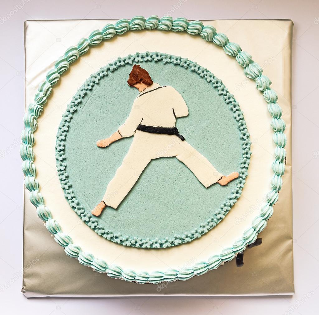 тому торт с рисунком каратэ артистичный, хорошим