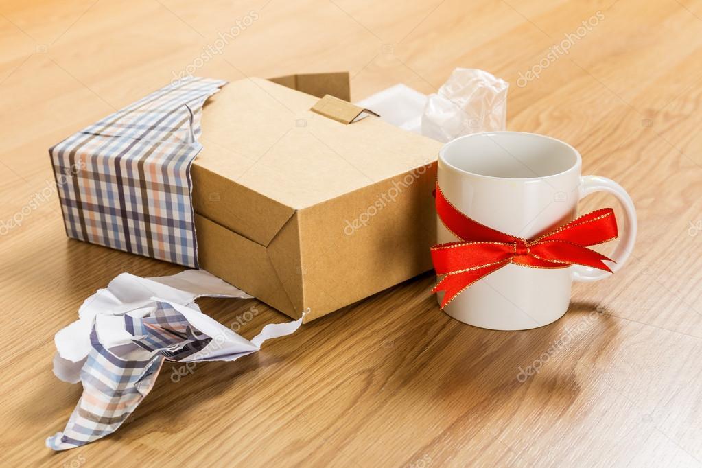 schlimmsten Weihnachtsgeschenk, cup — Stockfoto © leungchopan #37217719