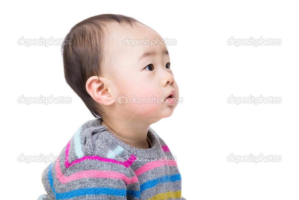 Ребенок в профиль