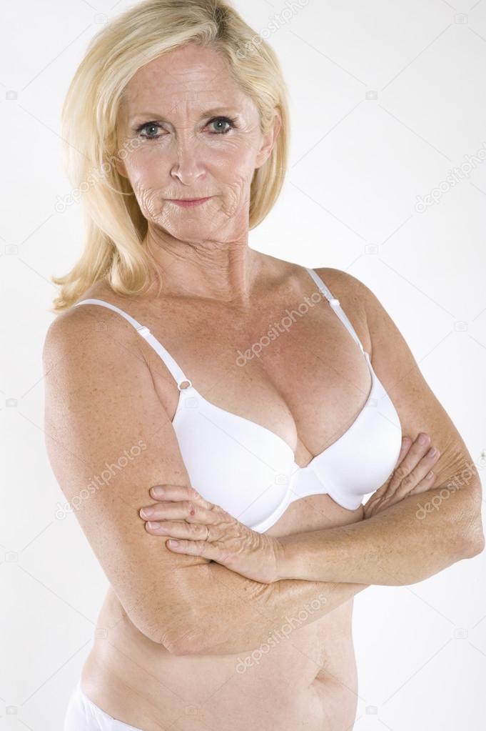 Nude amateur voyeur candid