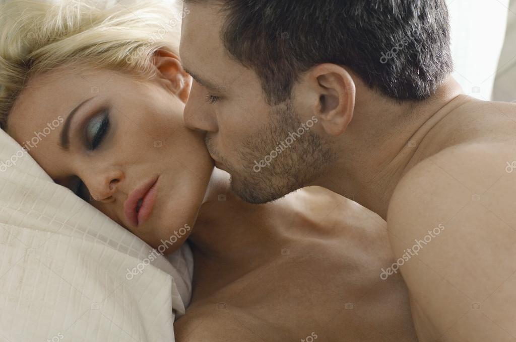 Самые эрогенные зоны у мужчин и женщин Популярно о